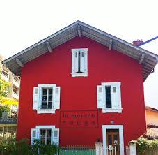 La maison rouge facade